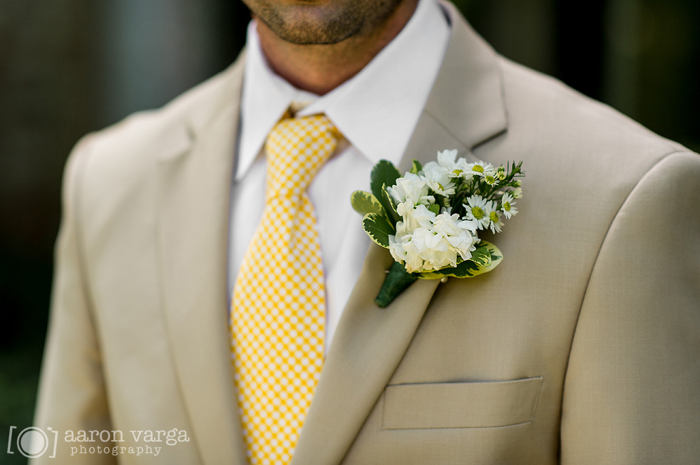 15 white boutonniere - Best of 2013: Flowers