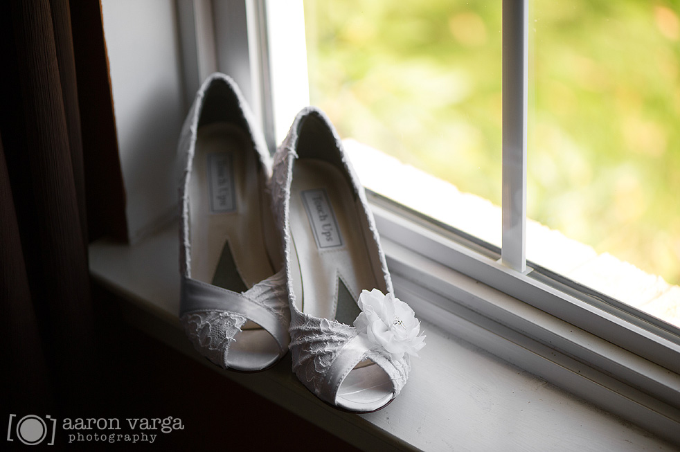 18 White lace wedding shoes - Best of 2013: Shoes