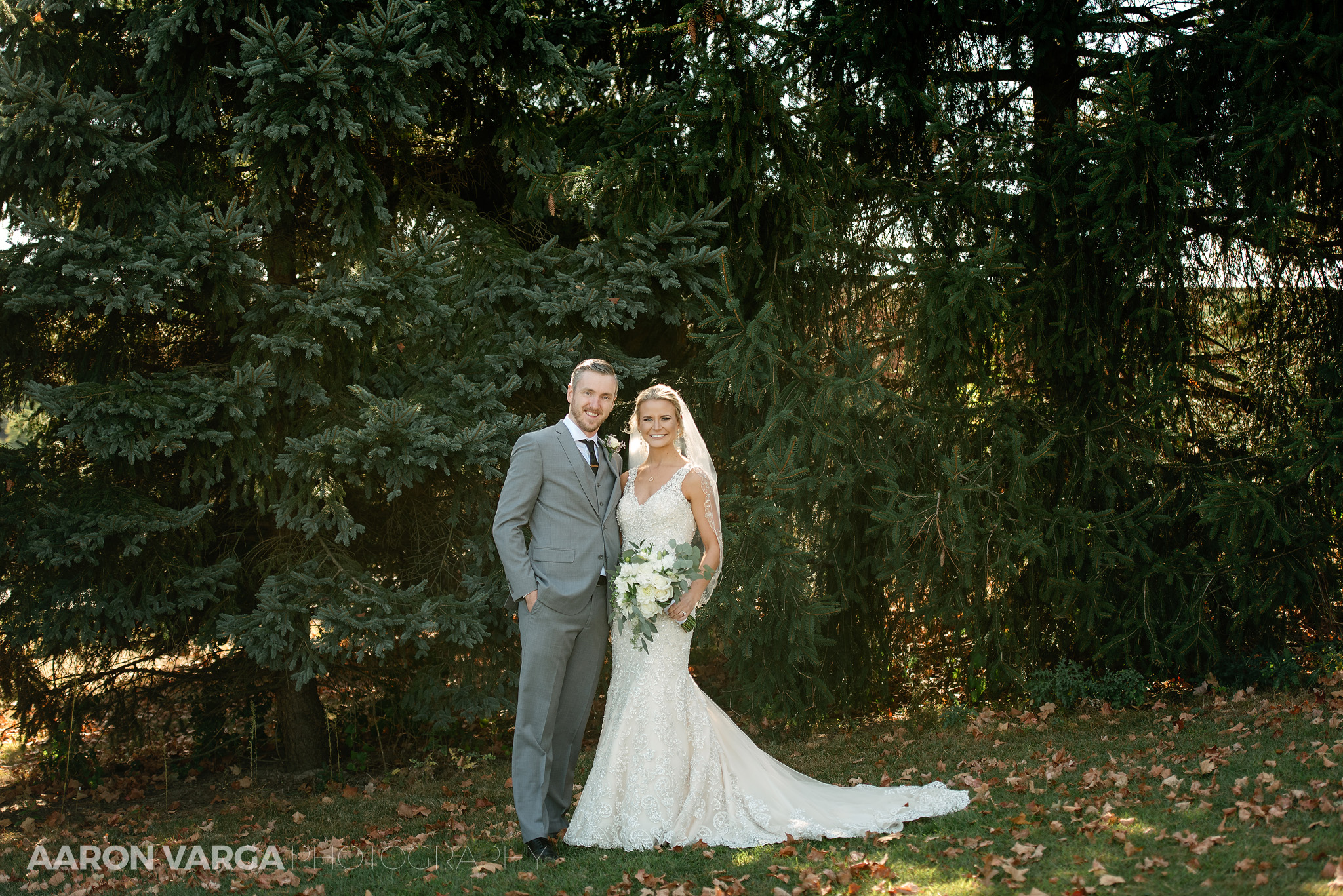 15 montour heights country club wedding portrait - Amy + Bill | Montour Heights Country Club Wedding Photos