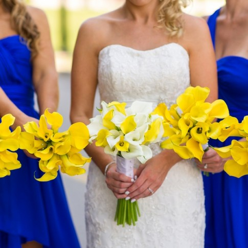 blue-bridesmaid-dresses-yellow-flowers(pp_w900_h599)