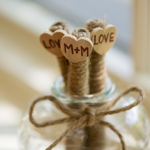 burlap-wedding-details(pp_w900_h599)