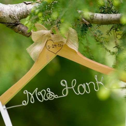 custom-wedding-dress-hanger(pp_w900_h598)