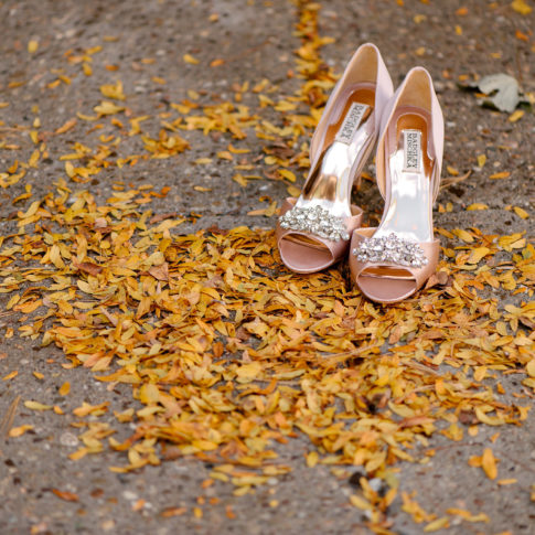 fall wedding pink shoes