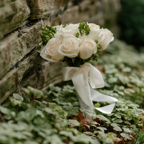 ivory wedding flowers