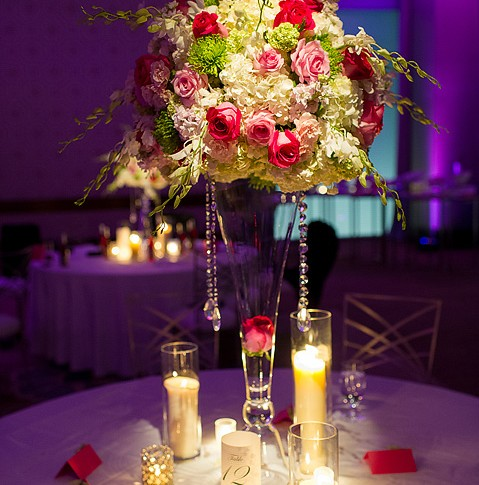 large-floral-centerpiece-wedding
