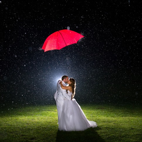 rainy wedding awesome photos 485x485 - Home